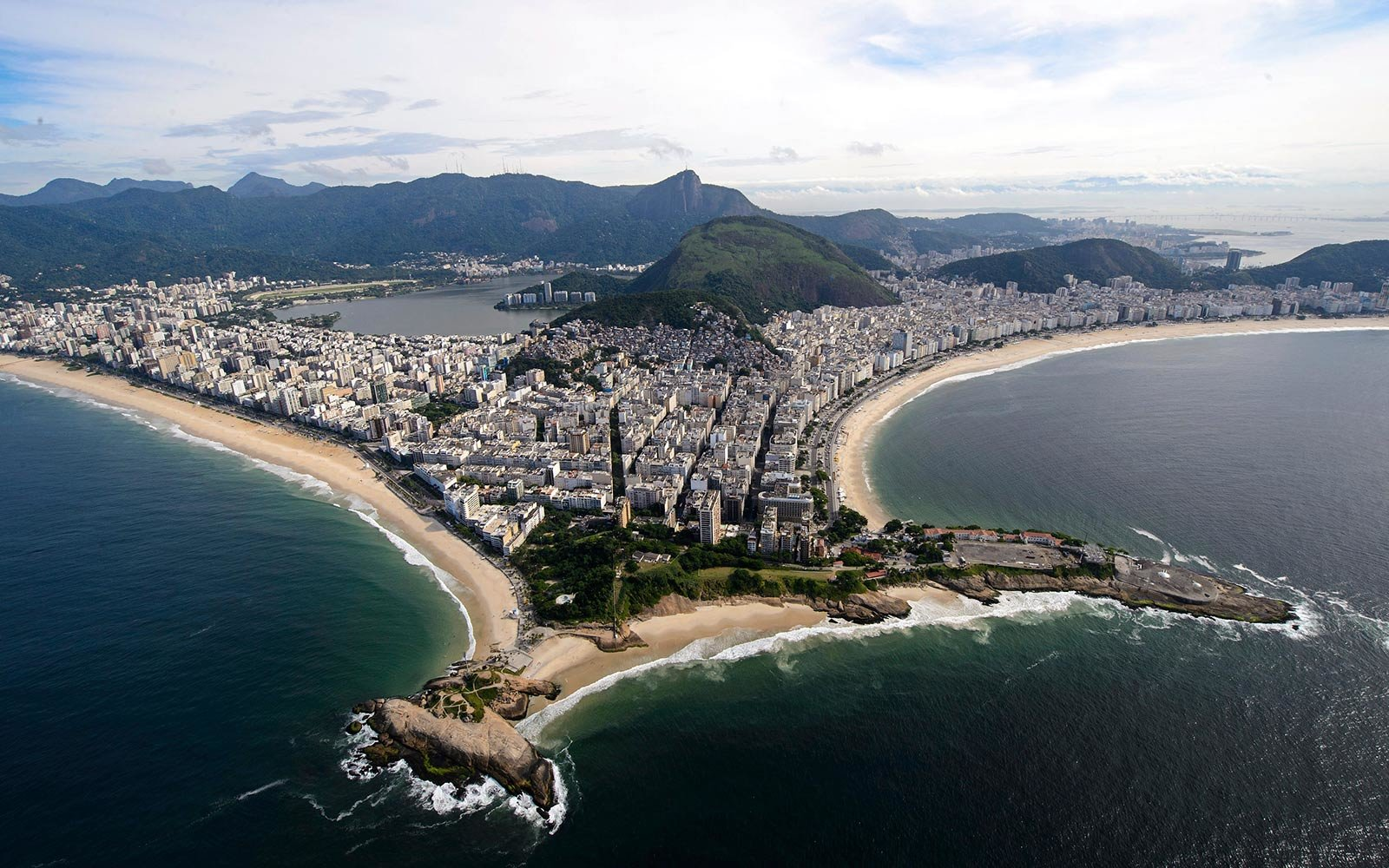 Brazil Considers Doing Away With Tourist Visa Fees