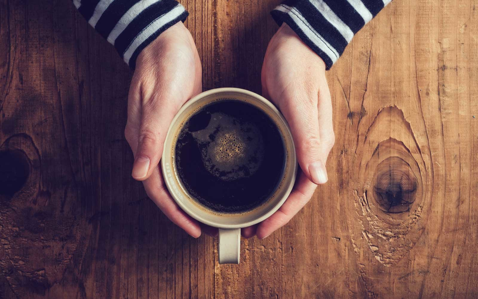 You've Been Holding Your Coffee Cup All Wrong