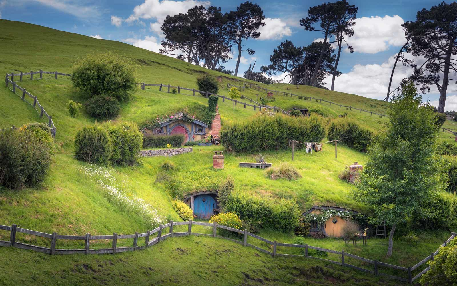 Lord Of The Rings Comes To Life For New Zealand Tourists