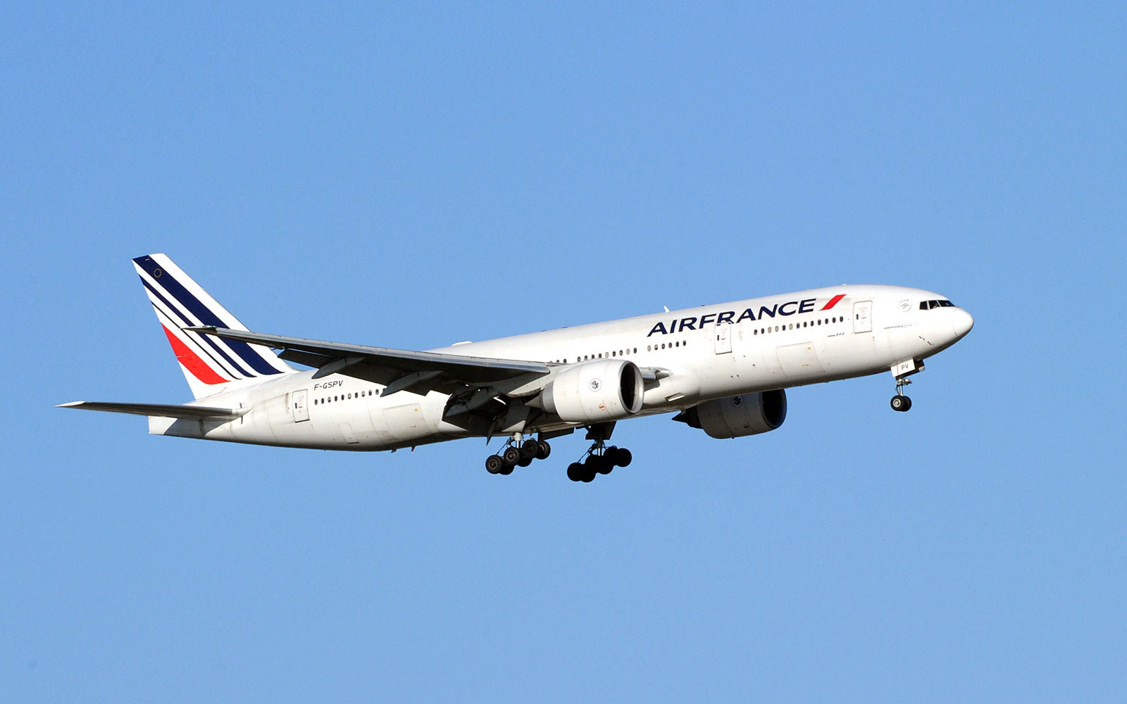 Air France Plans No-Frills Airline