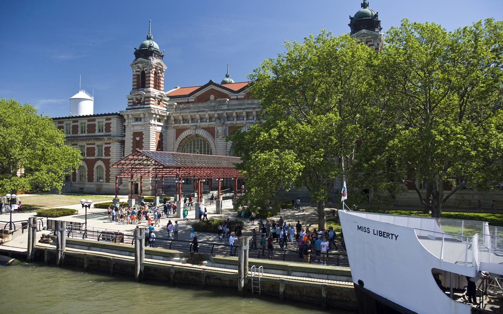 Ellis Island immigration station, New York City
