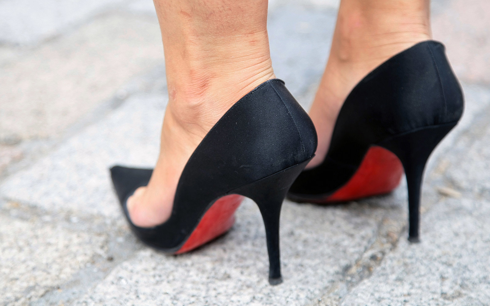 I can't understand why everyone isn't using my favorite $6 hack to protect shoes from the wear and tear of city streets