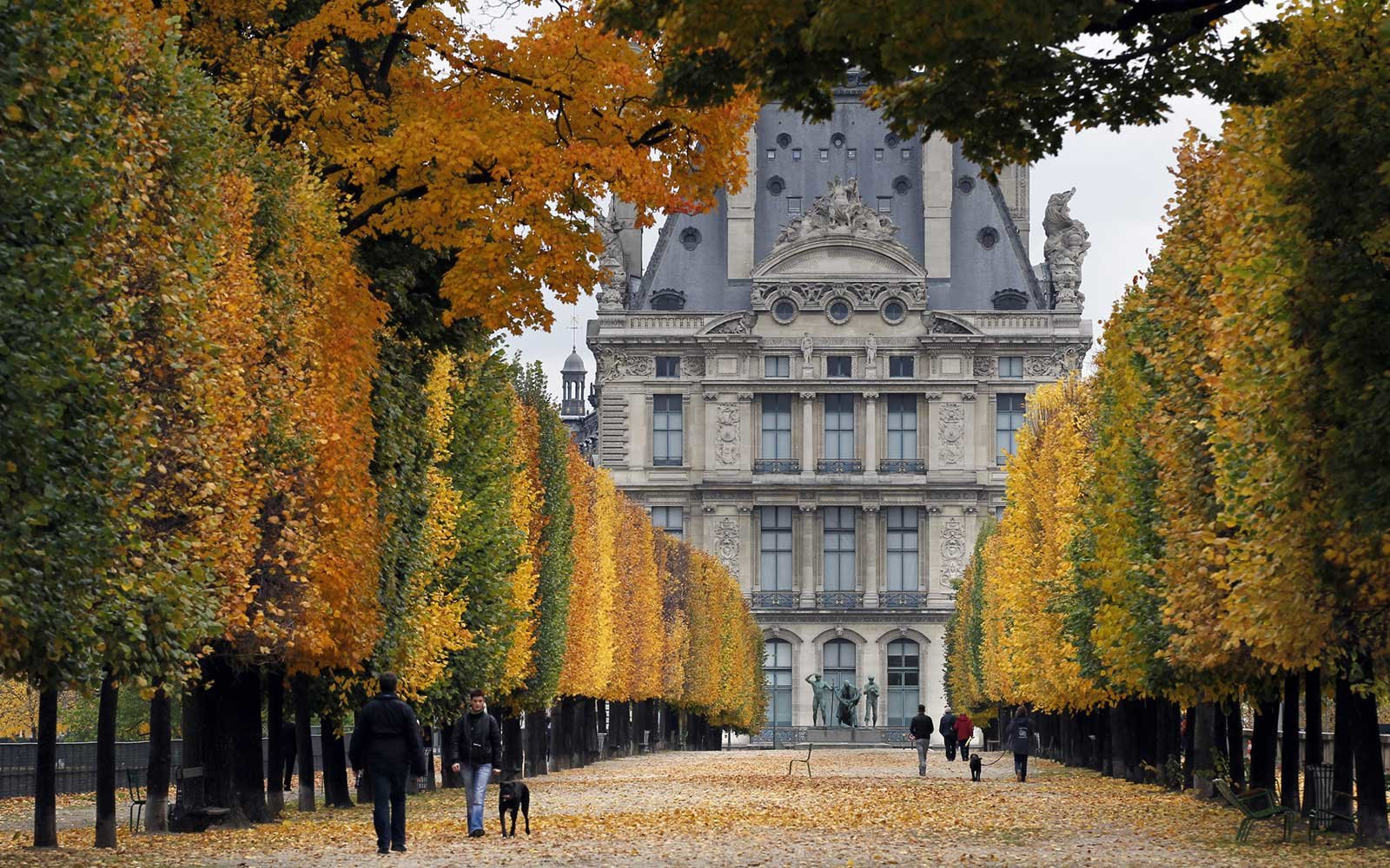 November Is The Best Time To Travel To Paris Travel Leisure - Is paris in france