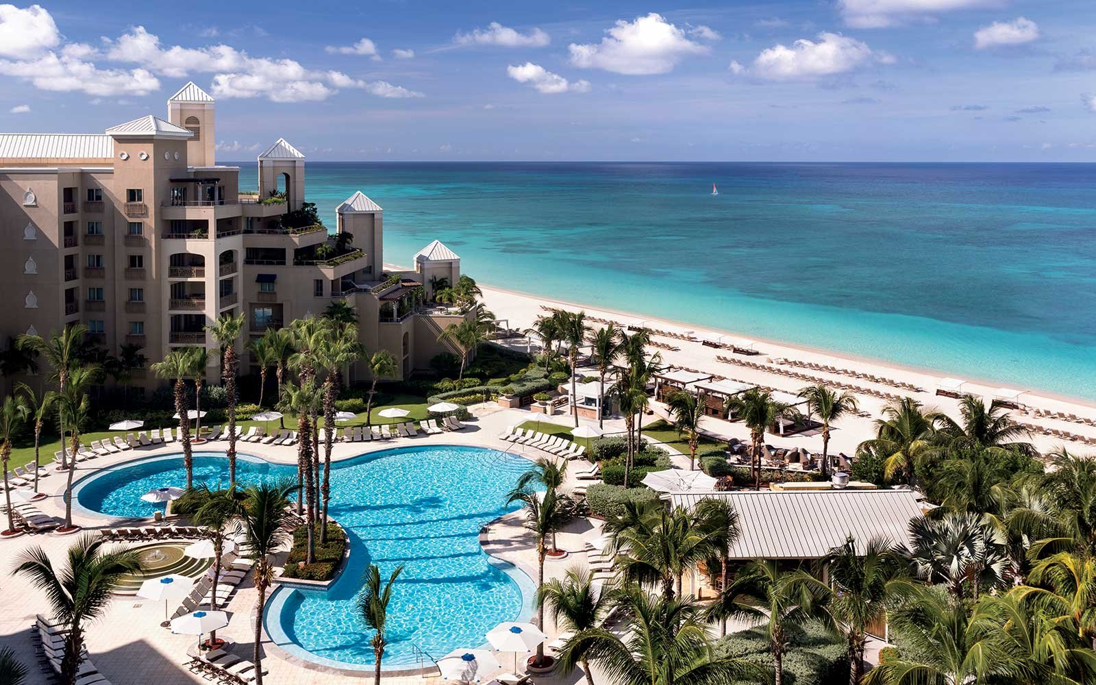 HERO_the-ritz-carlton-grand-cayman-XMASXCAPE1115.jpg