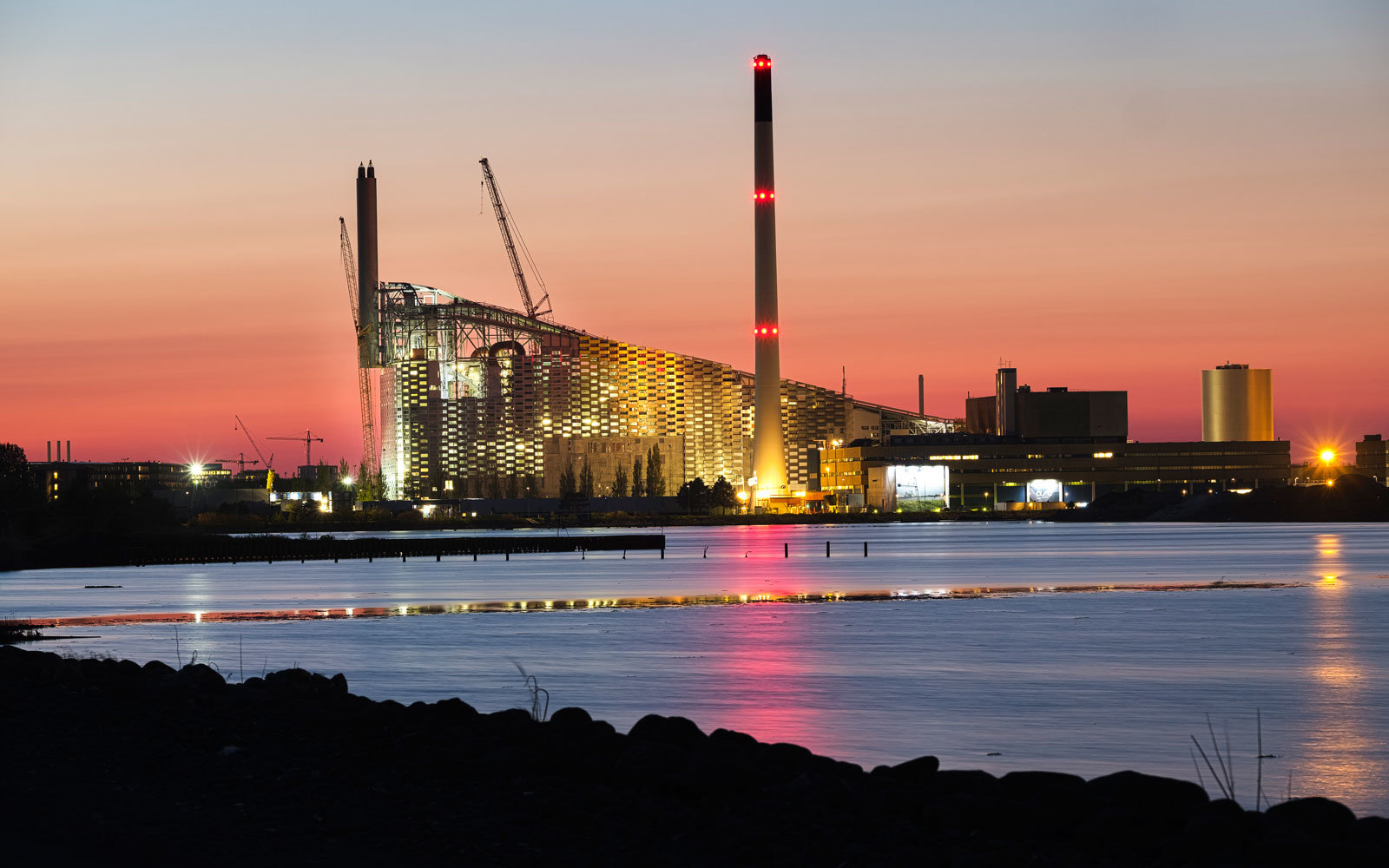 This former incinerator is becoming a green power plant—with a ski slope on top.