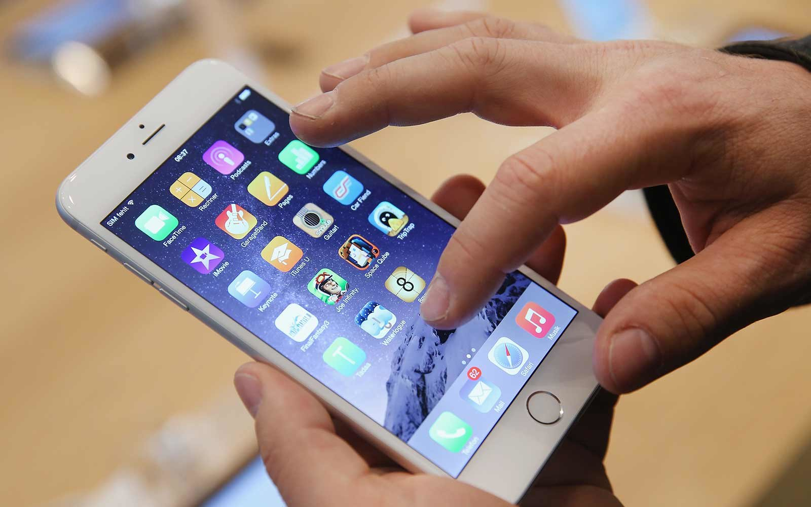Apple Will Replace Faulty iPhone 6s Batteries