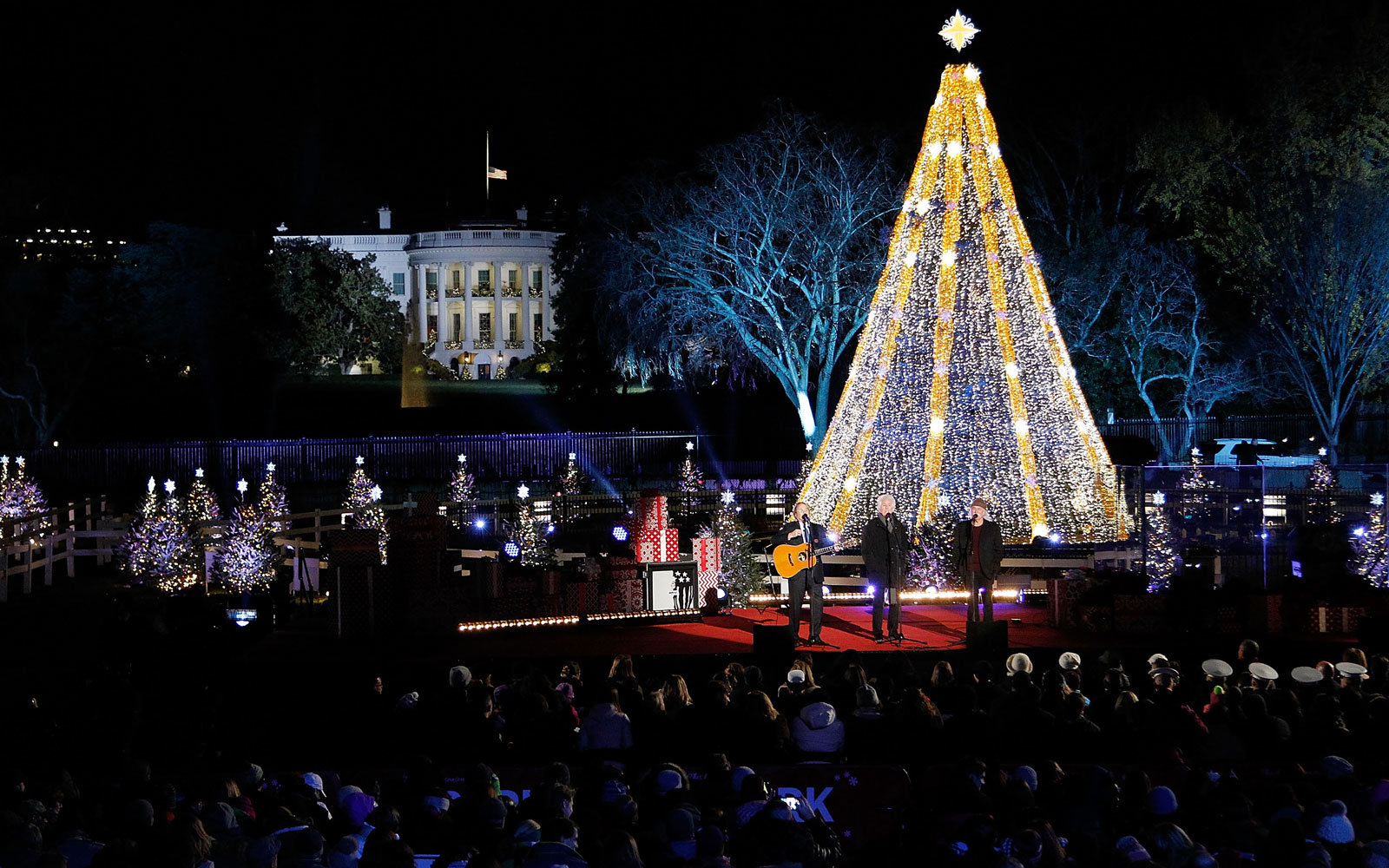 watch the national christmas tree lighting live at the white house