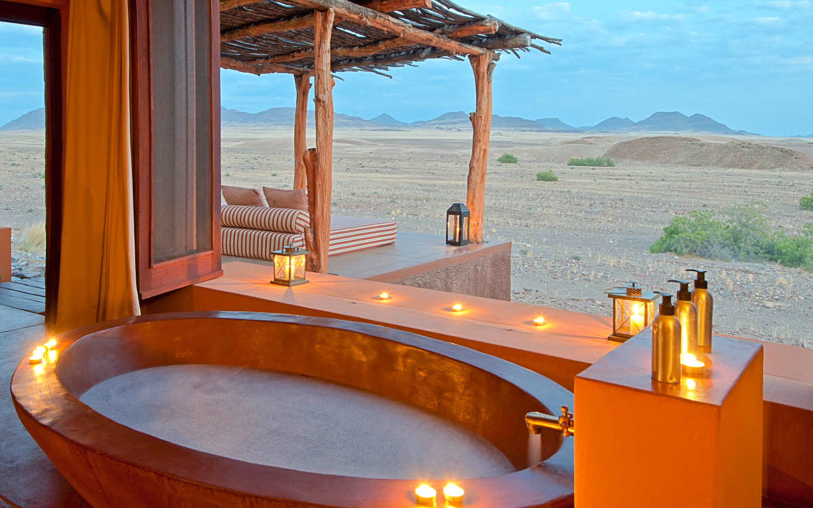 Okahirongo Elephant Lodge Outdoor Bathtub