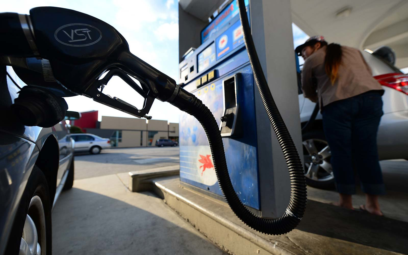 Gas Prices Are Bound to Keep Rising During the 2016 Holiday Season