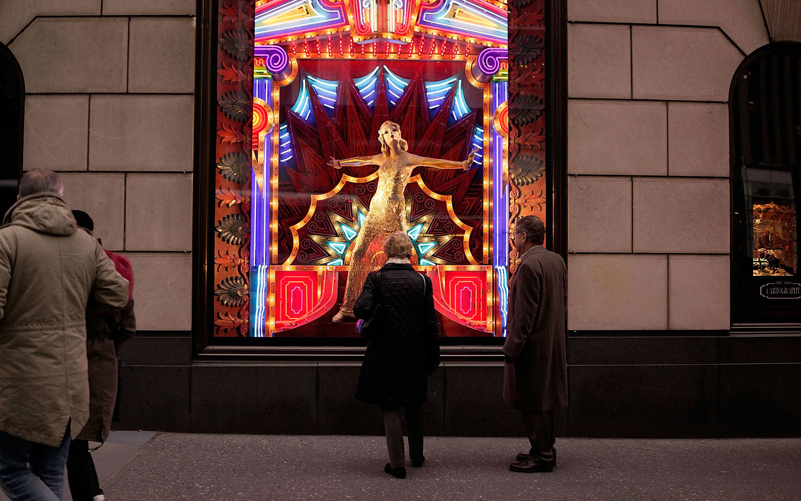 Take a Virtual Tour of New York City\'s Holiday Windows | Travel + ...