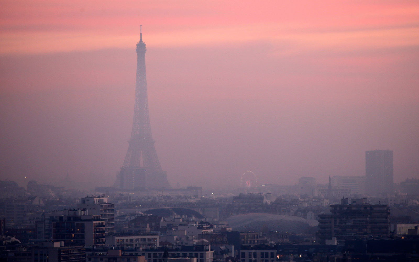Paris pollution over Eiffel Tower