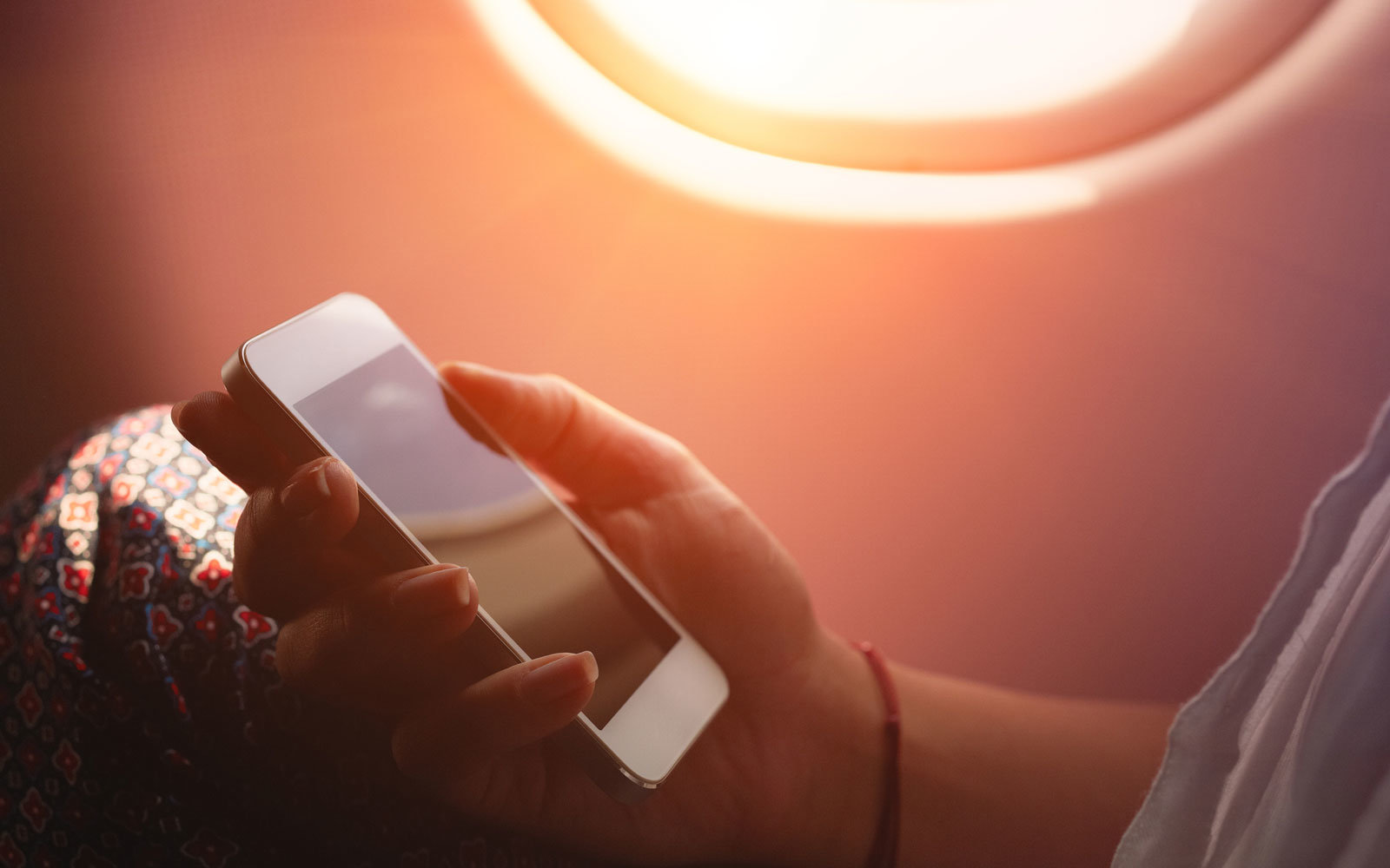 Should phone calls be allowed on flights?
