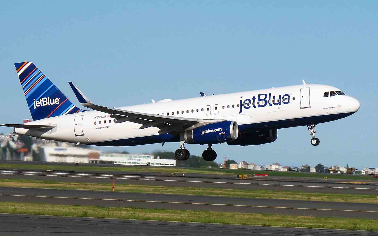 JetBlue Offers 25 Flights to New York City and Boston