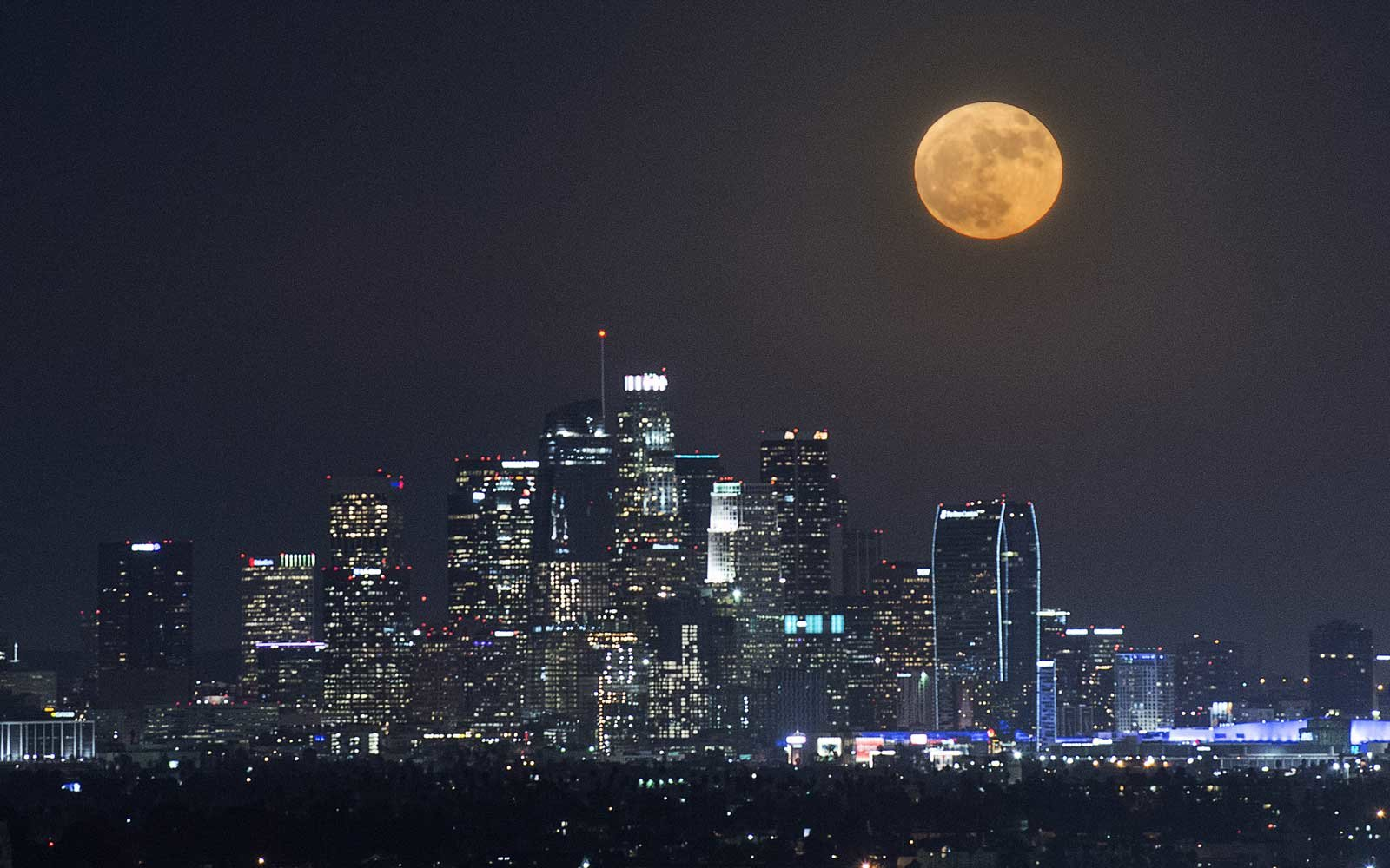 There's a Supermoon and a Meteor Shower Tonight | Travel ...