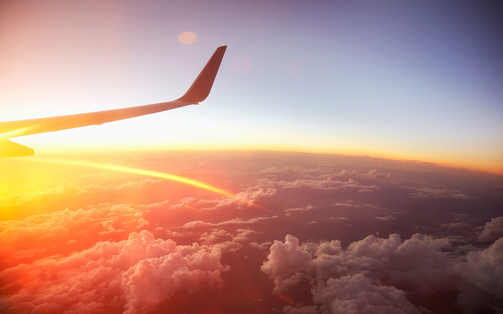 Expedia: This is the best Day of the Week to Book a Flight
