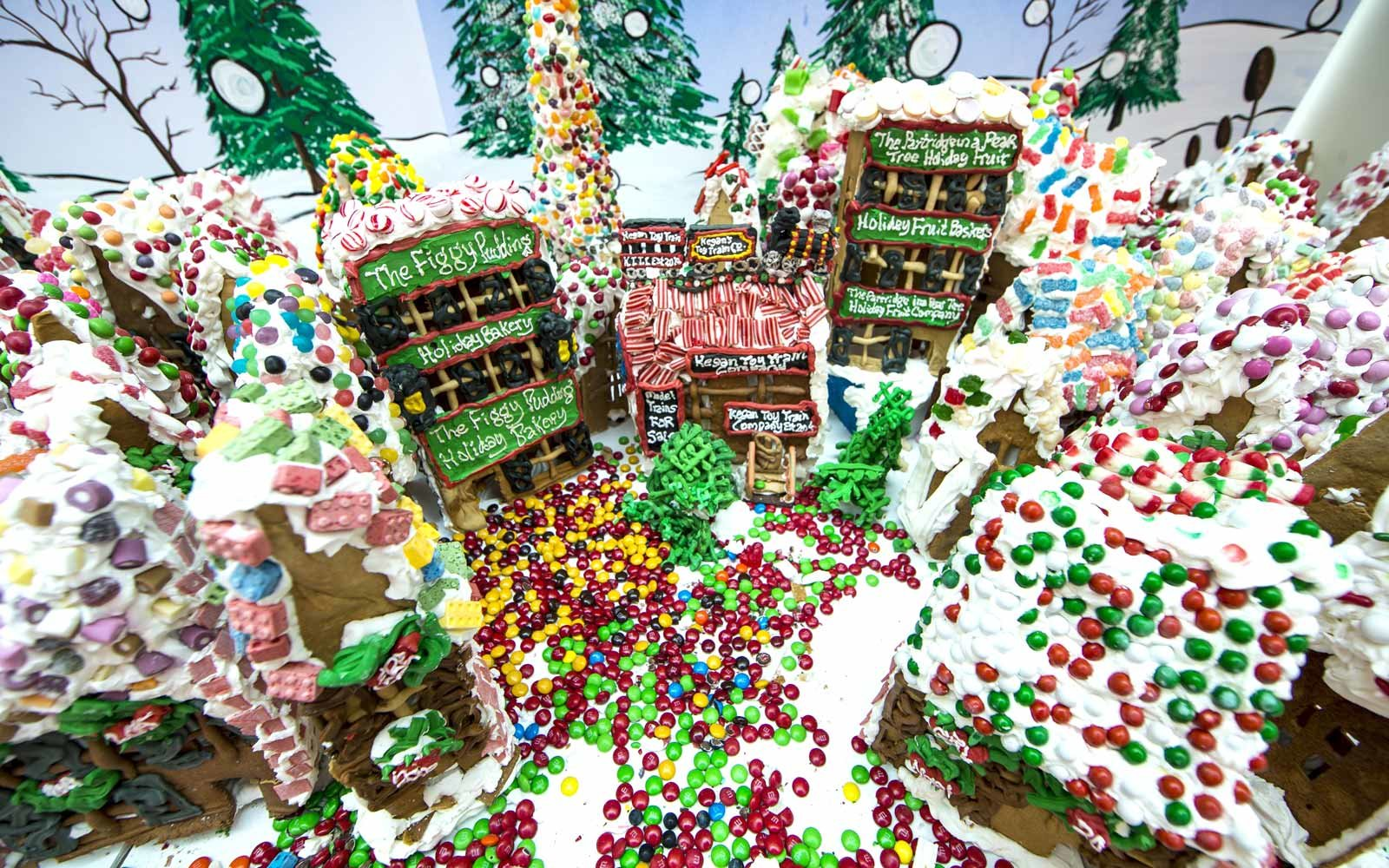 gingerbread houses - Nightmare Before Christmas Gingerbread House