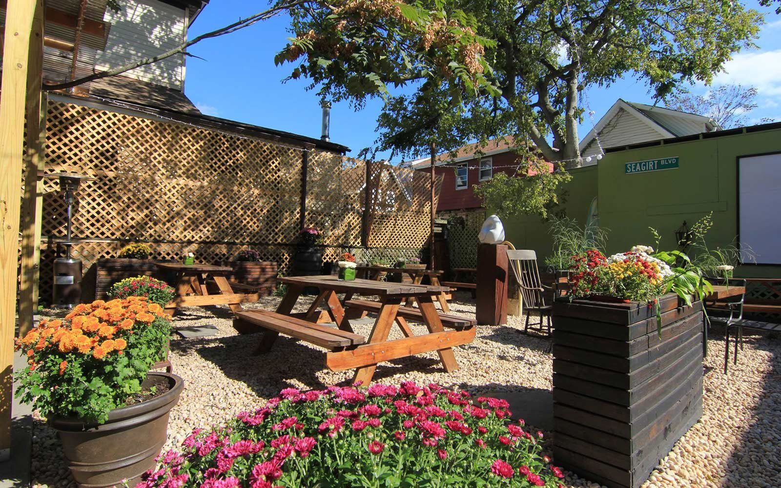 The Best Outdoor Happy Hours in New York City | Travel + Leisure