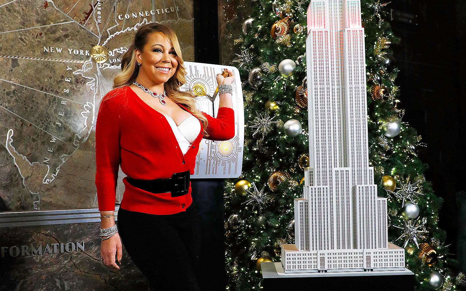 Mariah Carey Empire State Building light show