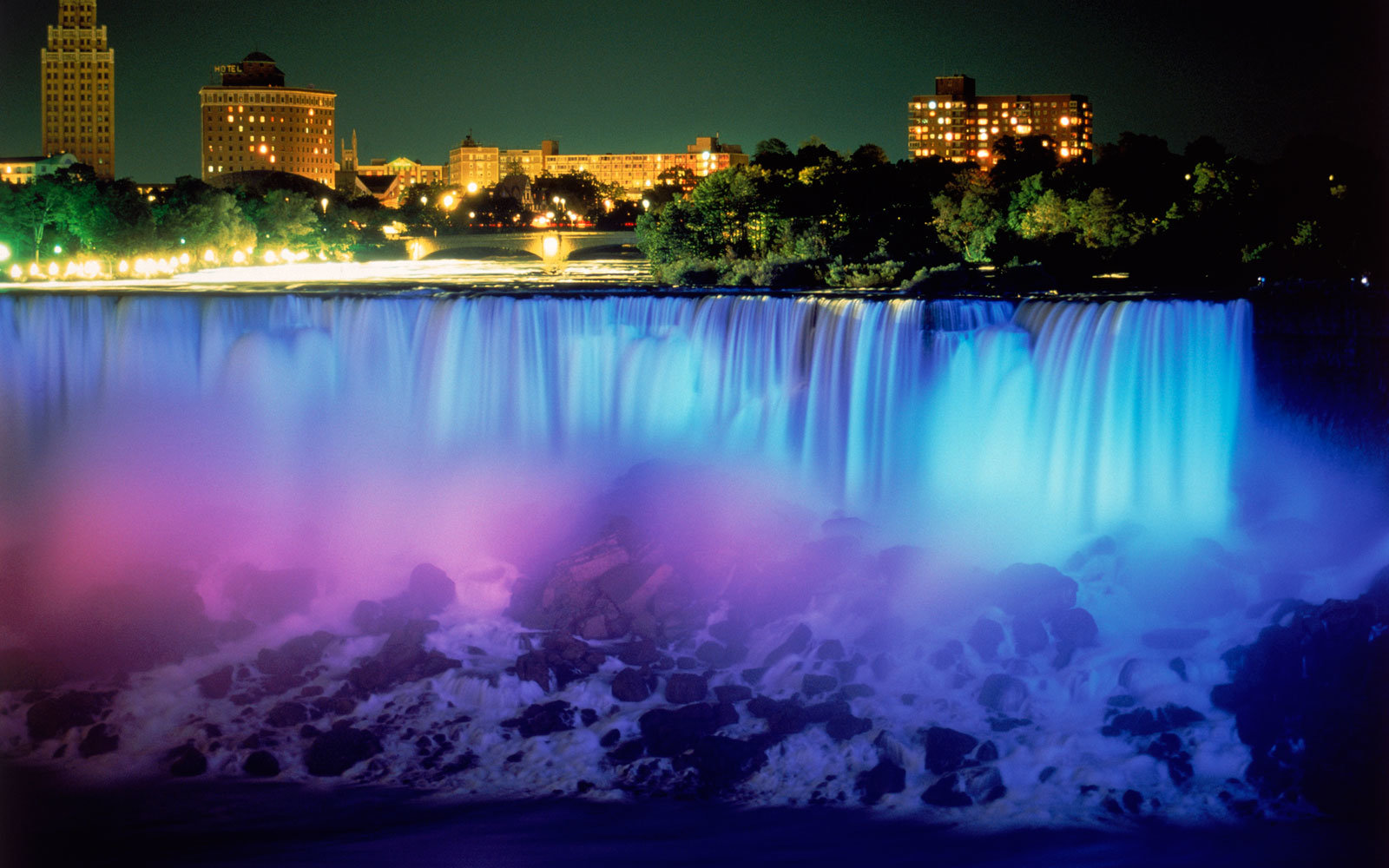 Niagara Falls, Neon Lights