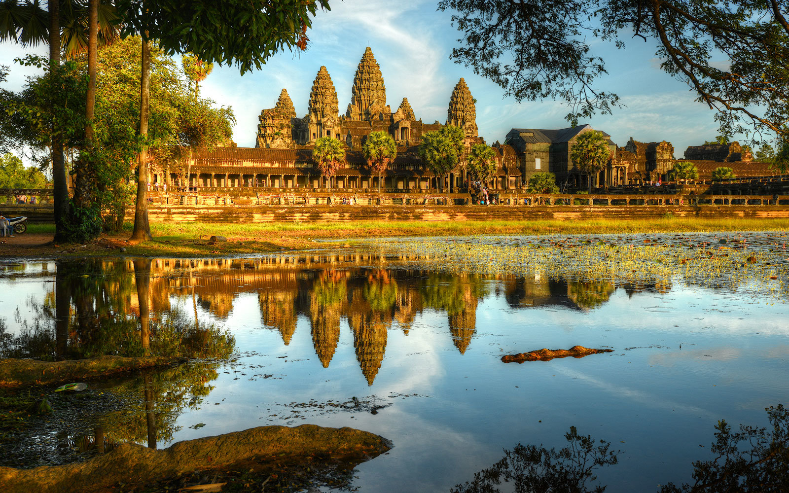 Secrets of angkor wat travel leisure - La plus belle piscine de france ...
