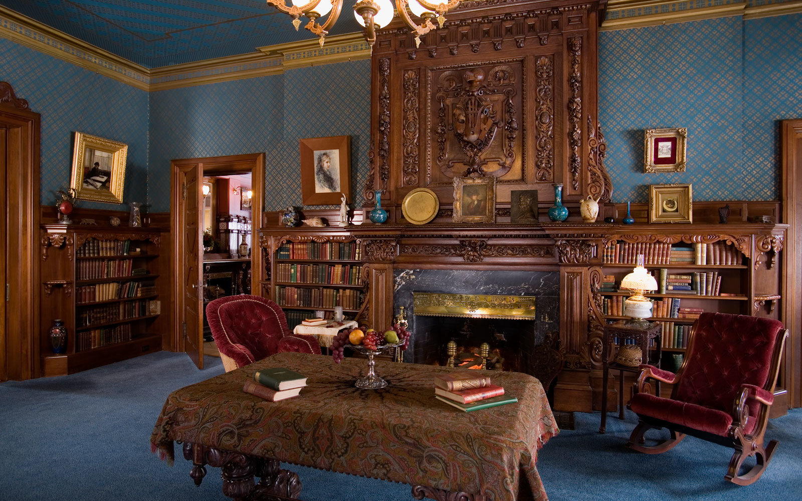 You Can Now Write in Mark Twain\'s Personal Library | Travel + Leisure