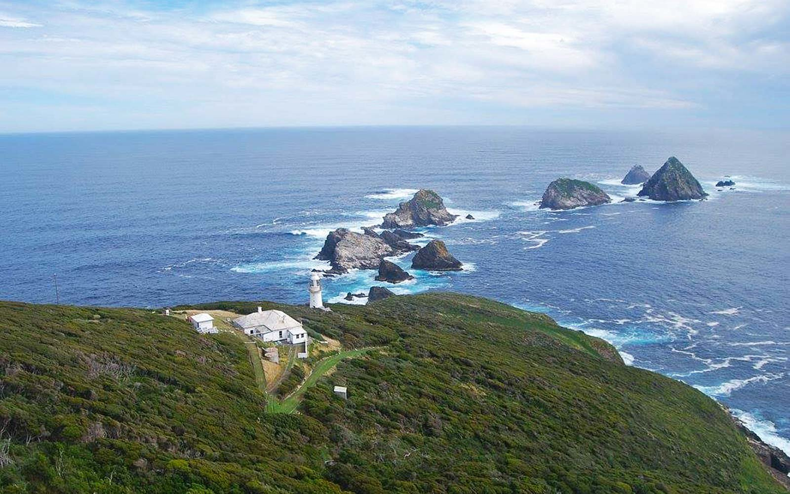 go off the grid for 6 months as a lighthouse keeper in tasmania