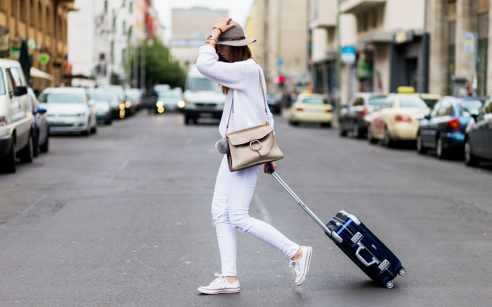 6b8ce245f8ed The Stylish Comfy Shoes That Celebrities Wear for Traveling