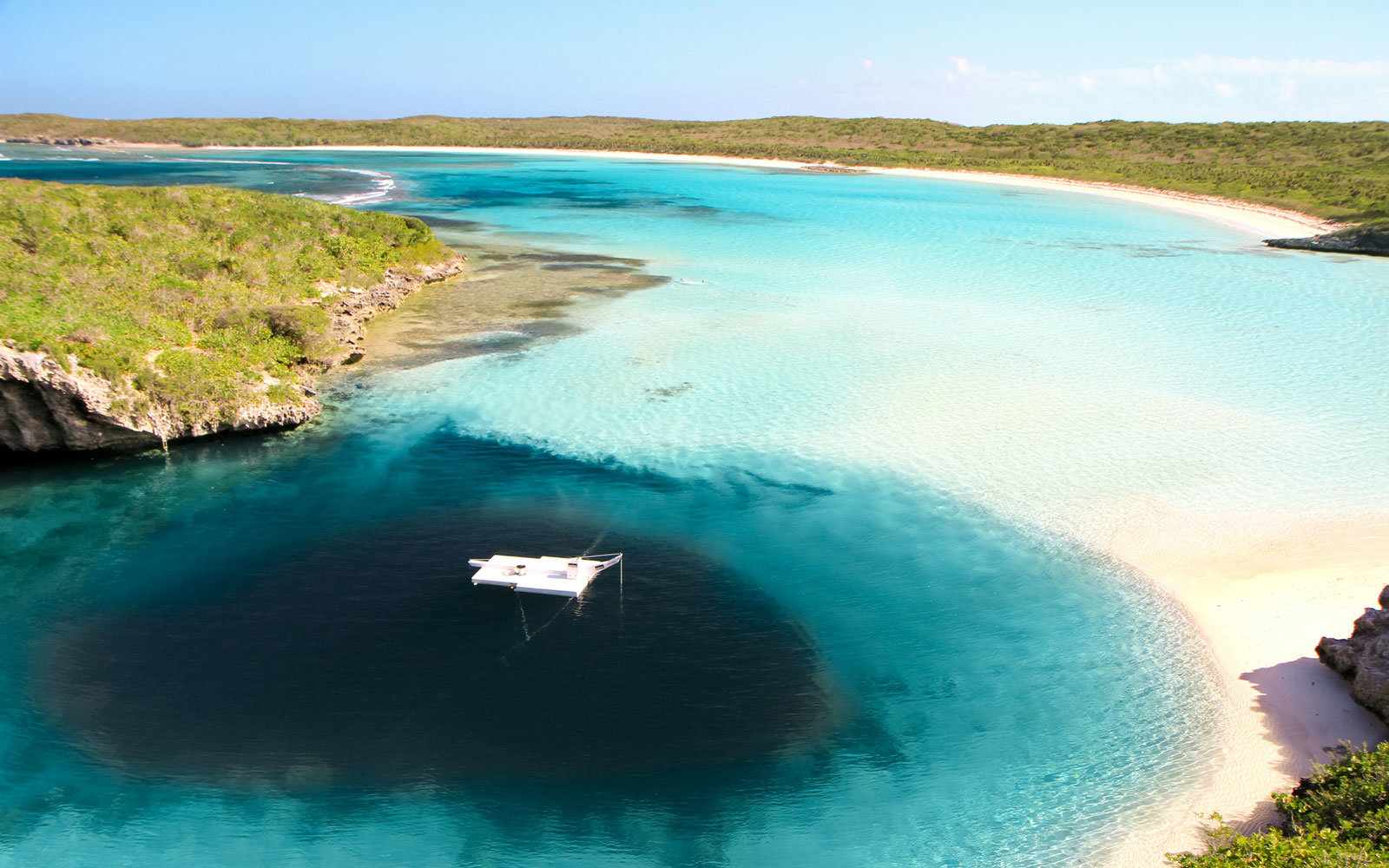 Dean's Blue Hole,   Long Island