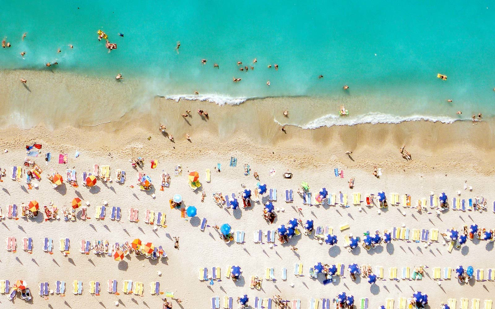 Nine Things Every Beach-Lover Knows