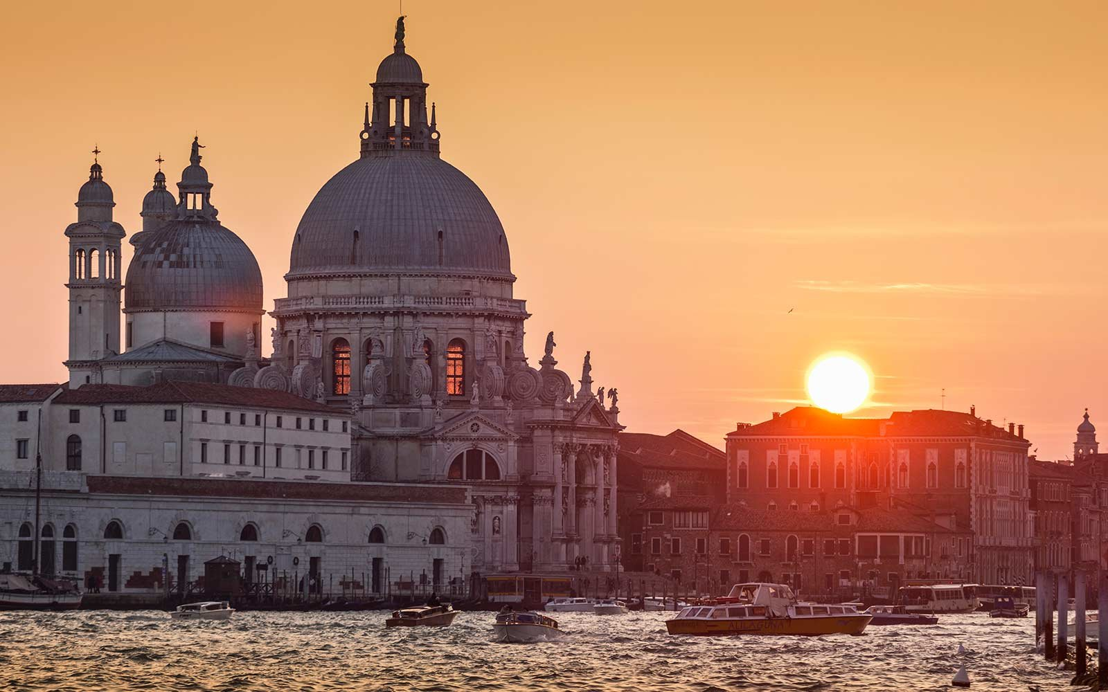 World s Best Awards  Most Romantic Cities. The 20 Most Romantic Cities in the World   Travel   Leisure