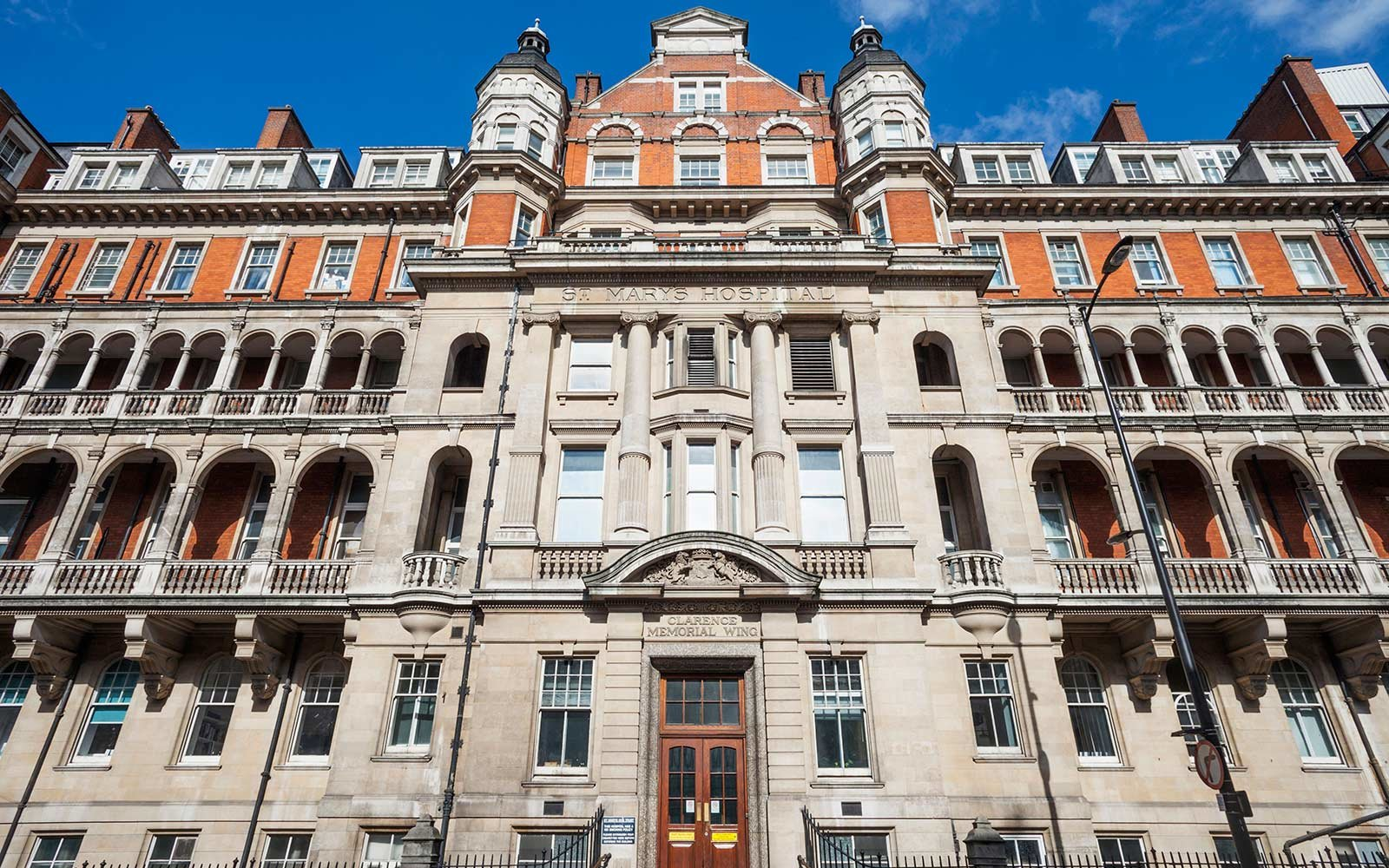 The Royal Guide to visiting London/UK