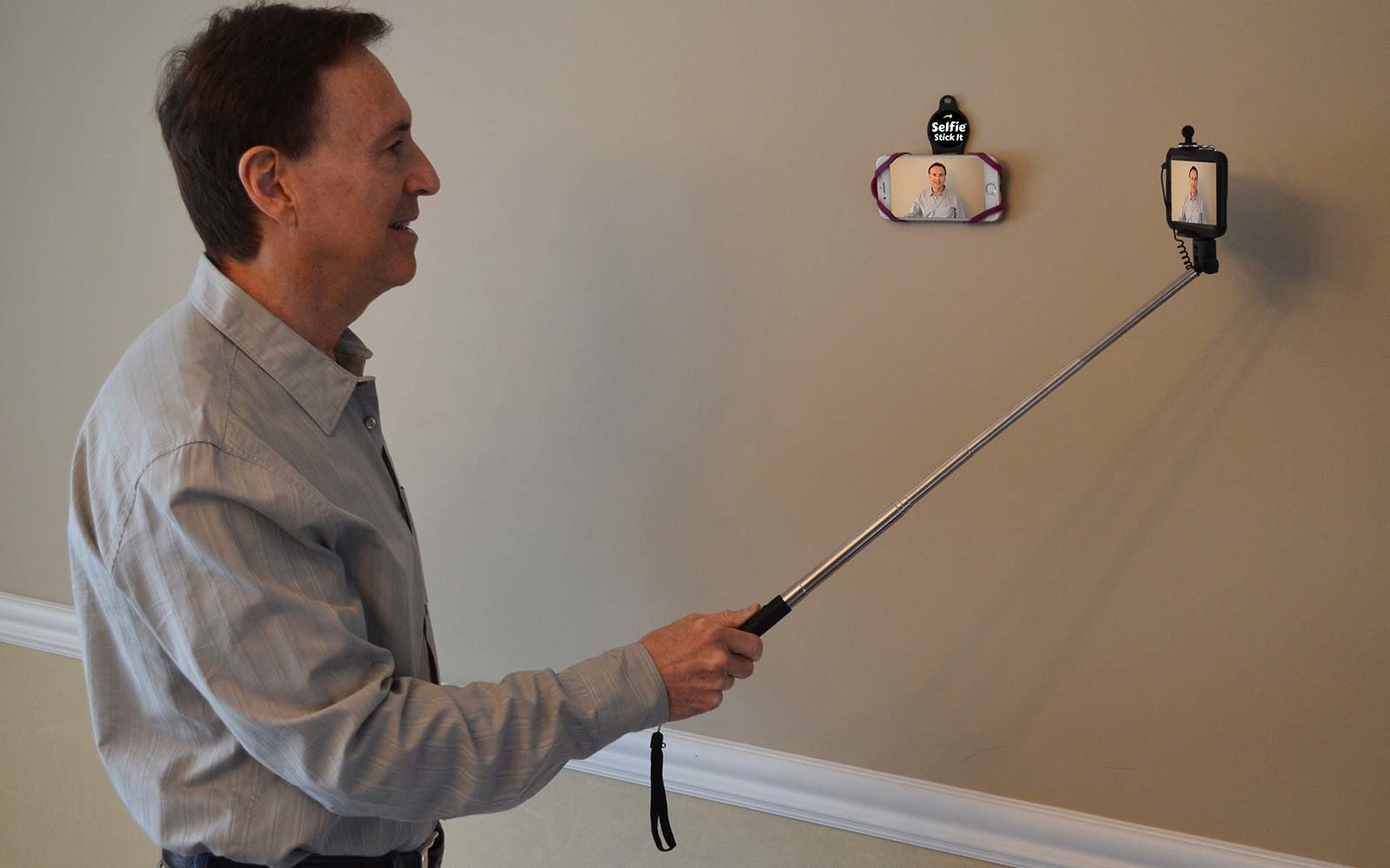 Inventor Of The Selfie Stick Has A New Less Annoying Way
