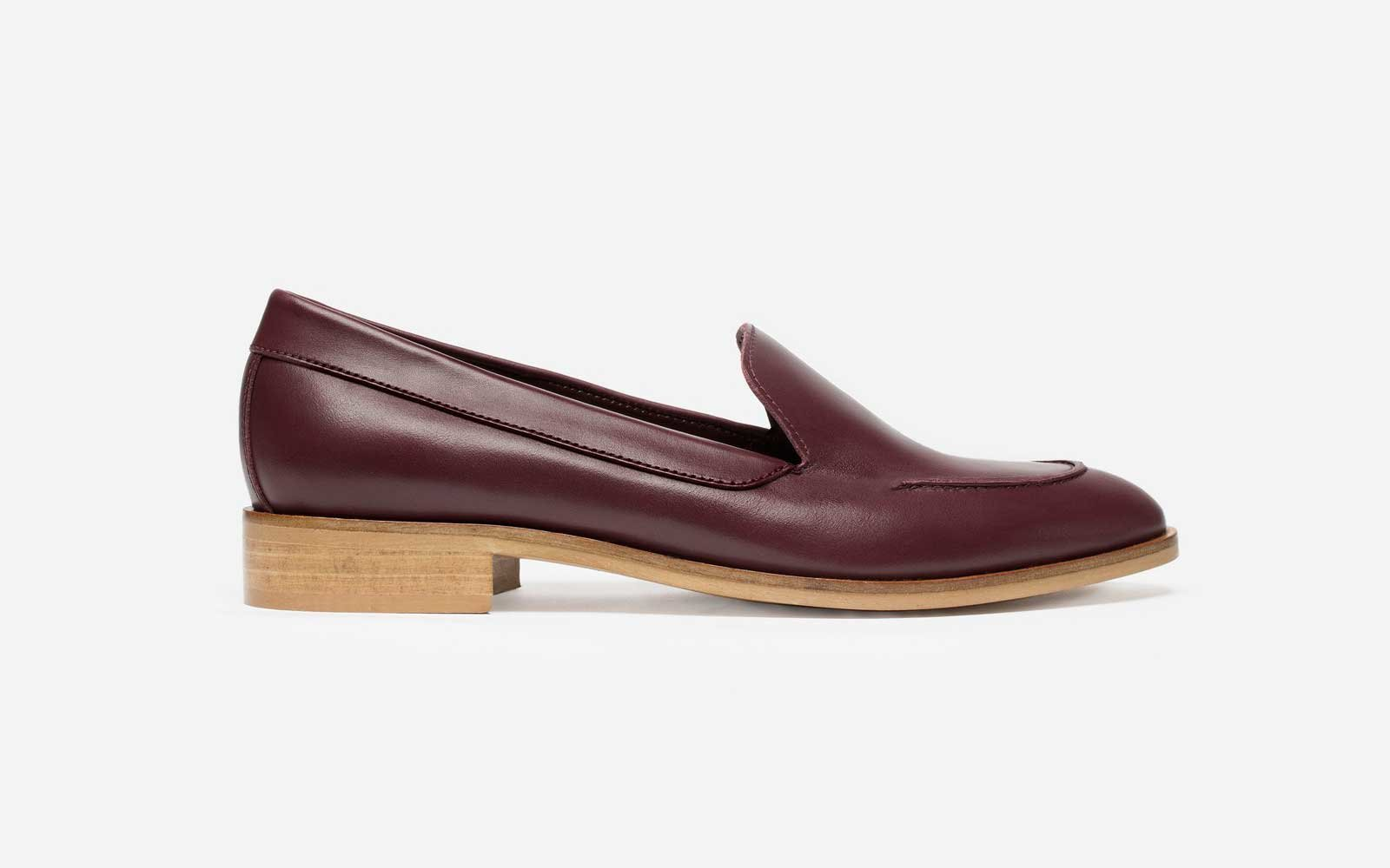 Best Walking Shoes for Travel: Everlane