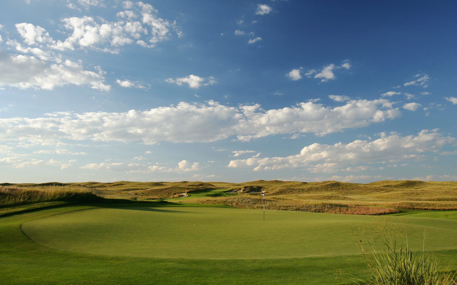 Play a Round of Golf at the Sand Hills Golf Club: Mullen, NE