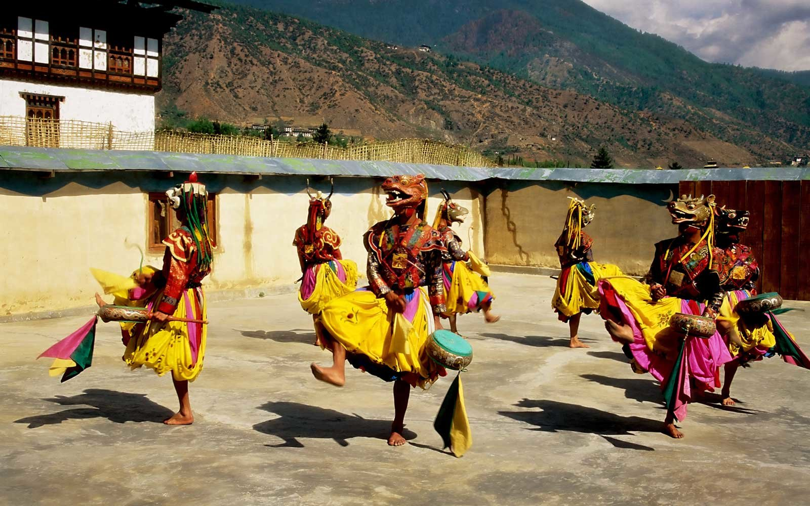 thimpu-bhutan-dancers-WBAFRIENDLY0217.jpg