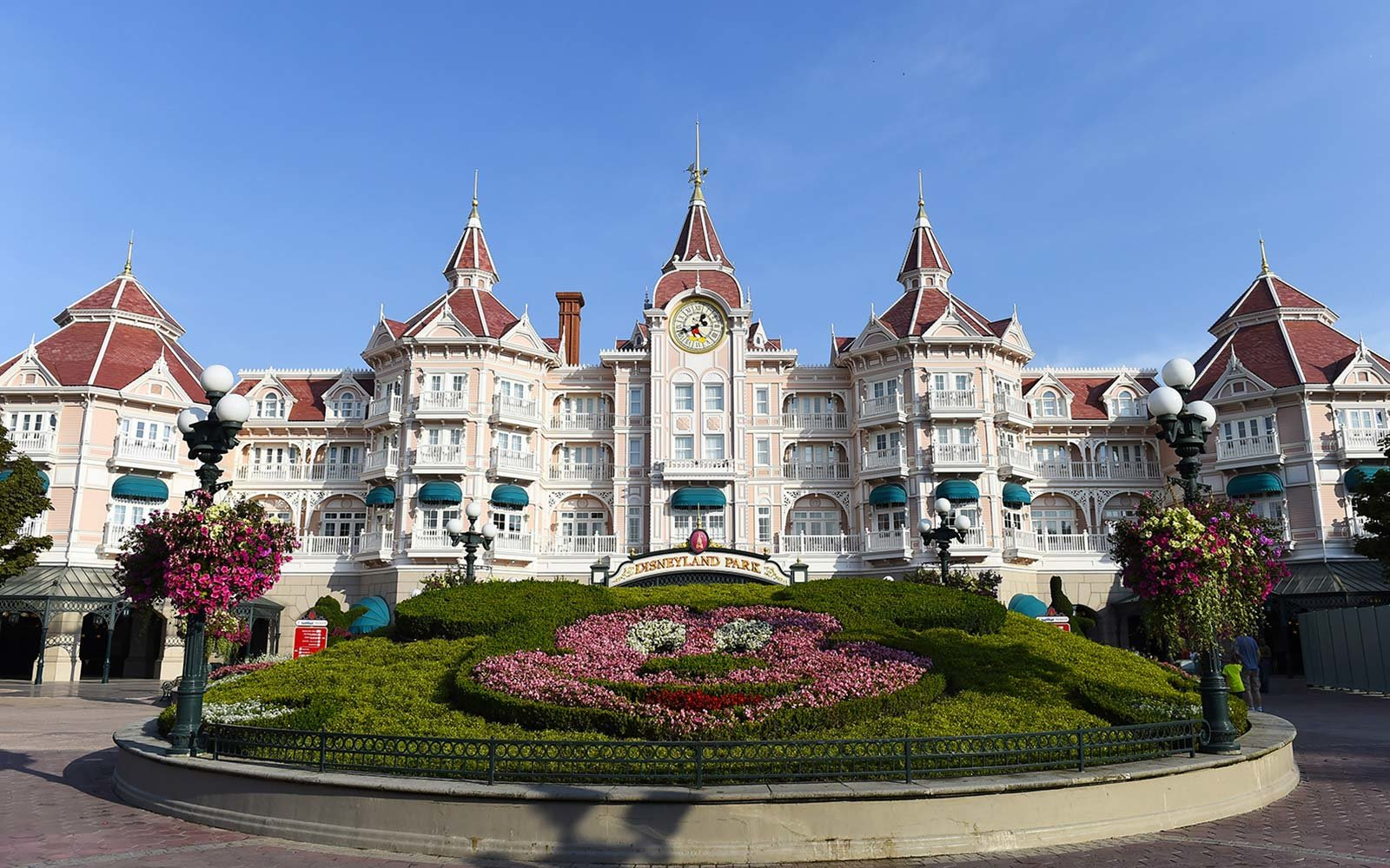 Hotels Near Disney Paris