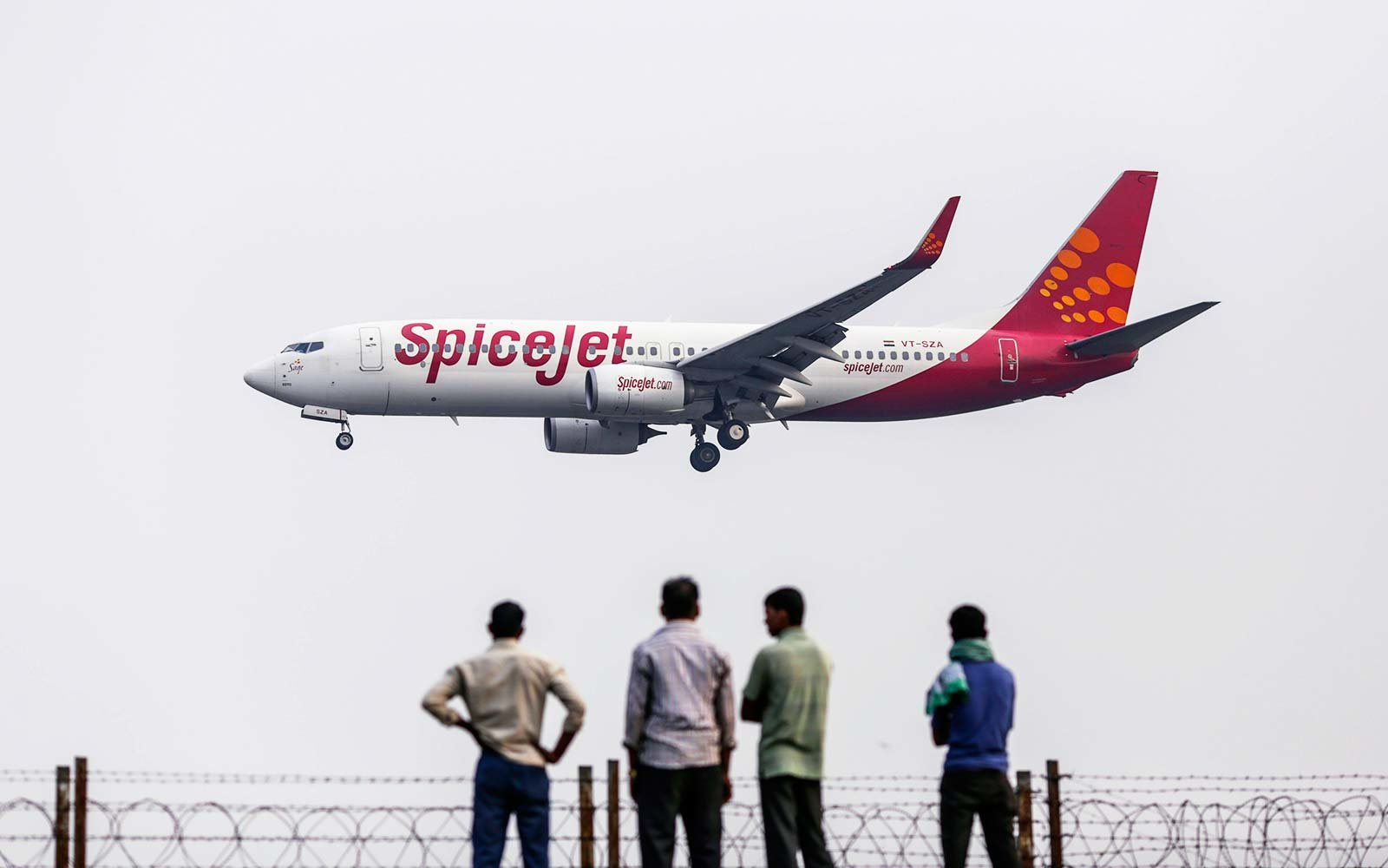 Smelly bathroom diverts SpiceJet plane