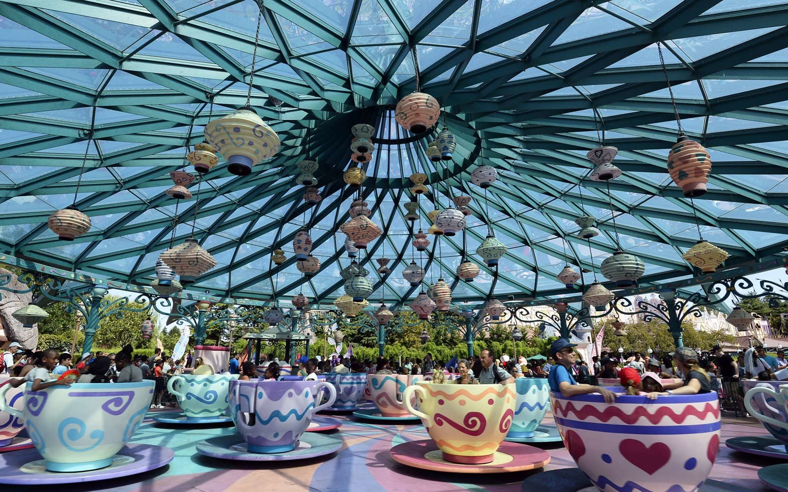 Mad Hatter's Tea Cup ride, Disneyland Paris, France