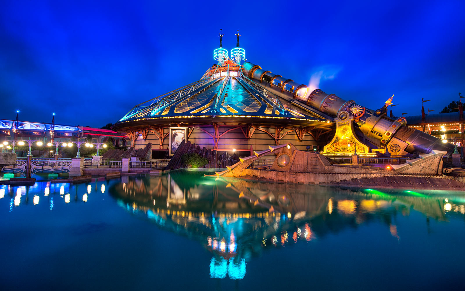 Space Mountain, Disneyland Paris, France