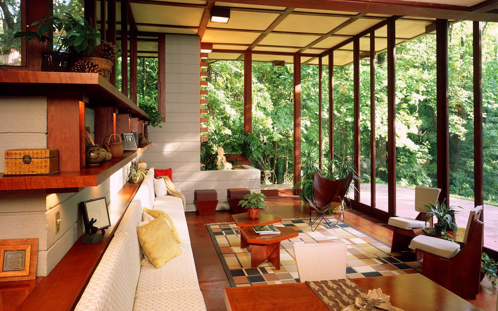 10 must see houses designed by architect frank lloyd wright travel leisure. Black Bedroom Furniture Sets. Home Design Ideas