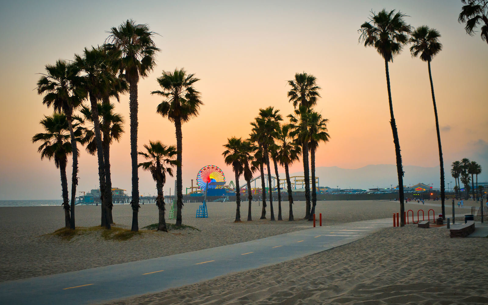 9 Great California Beaches For A Relaxing Day On The Coast