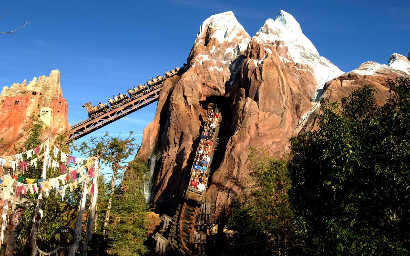 1. Expedition Everest - Legend of the Forbidden Mountain