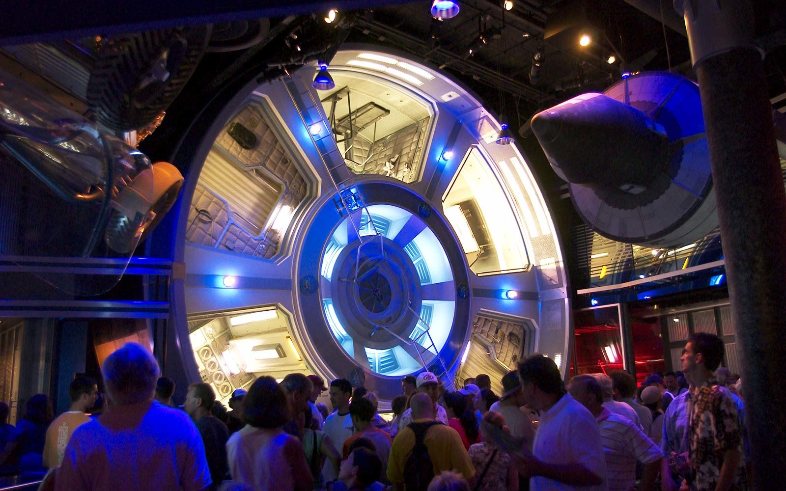 33. Mission: SPACE