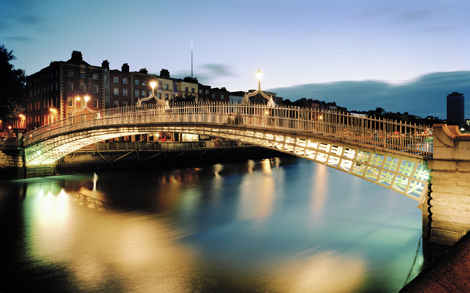 Ha'penny Bridge in Dublin Landing Page Tile