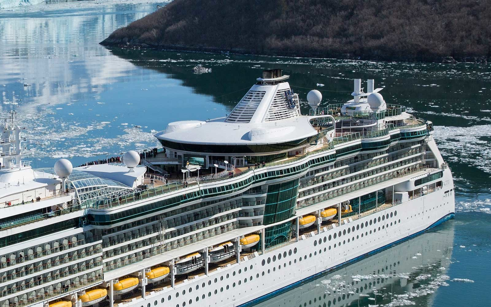Five Things to Know About Royal Caribbean International's Jewel of the Seas Cruise Ship