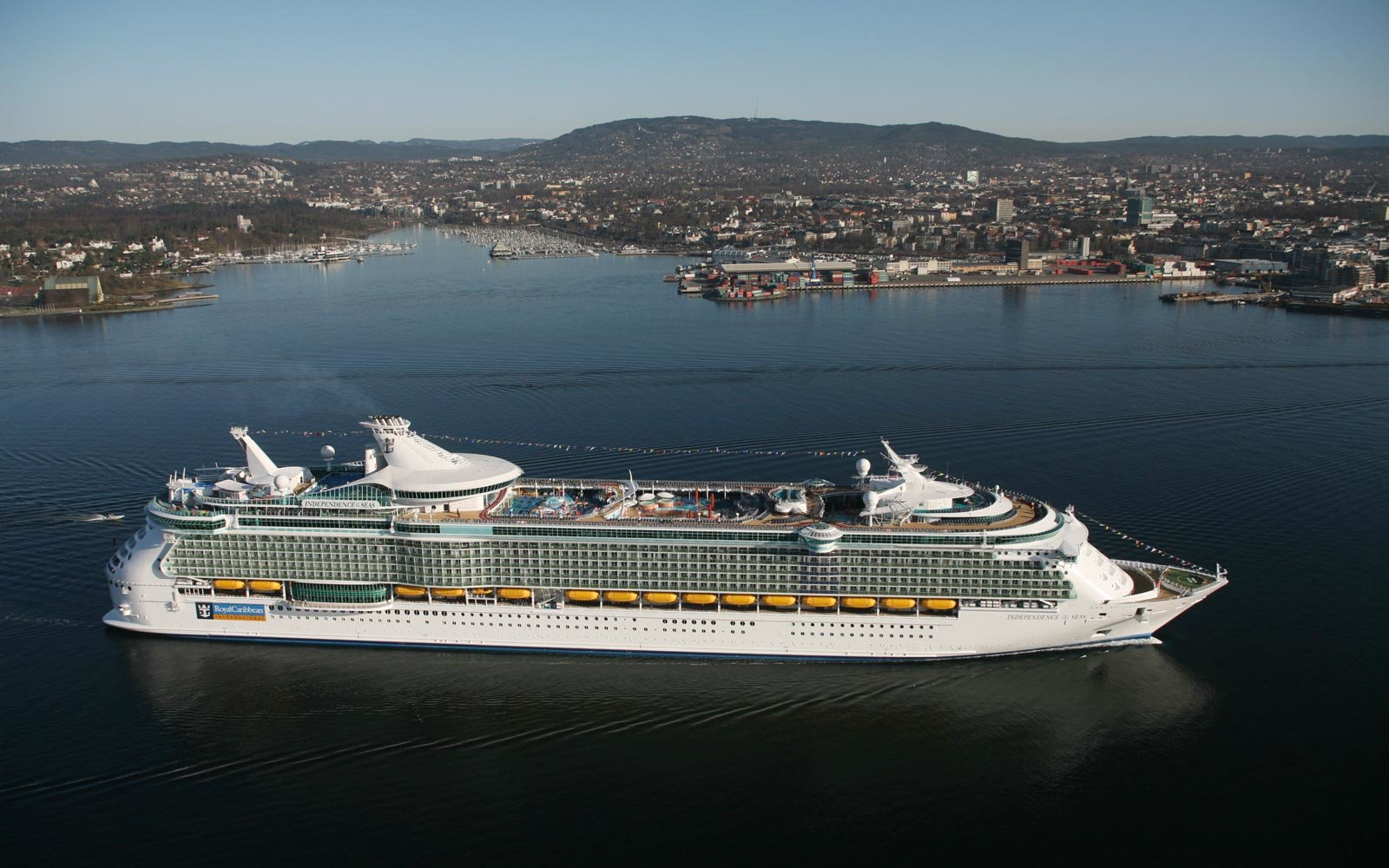 Five Things to Know About Royal Caribbean International's Independence of the Seas Cruise Ship