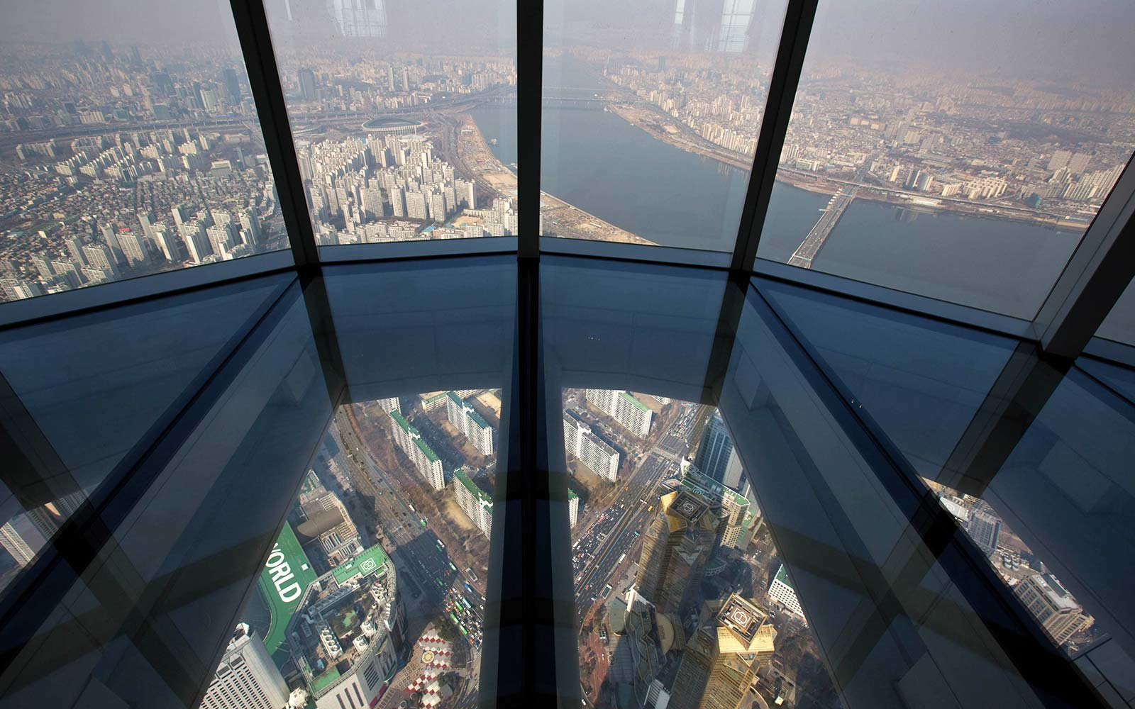 Highest glass-bottom observation deck Seoul South Korea