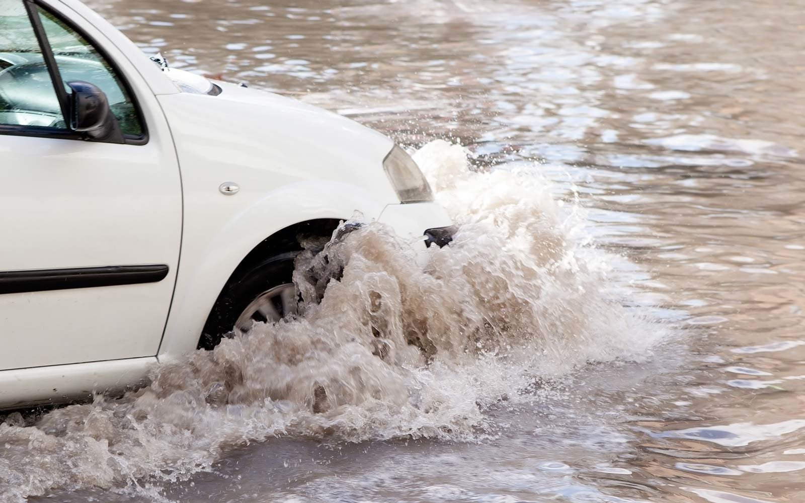 Man drives into river because GPS says to