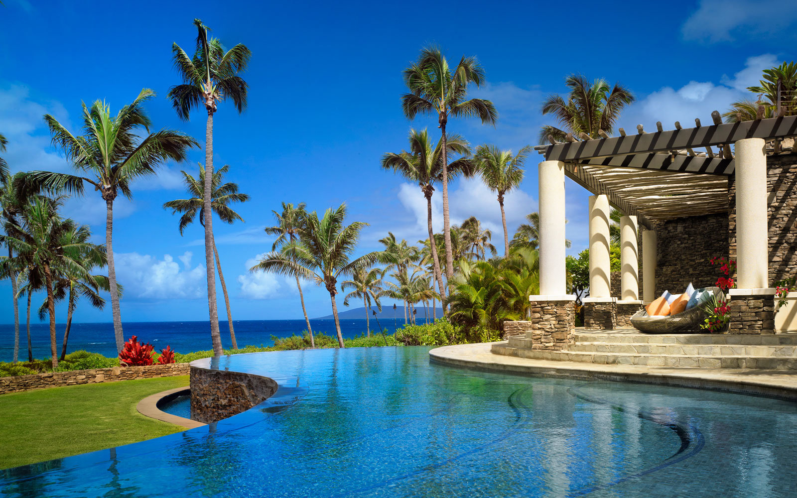 91 beautiful beach resorts in the world luxury pools for Beautiful hotels