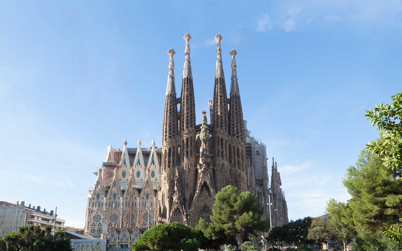 Barcelona 39 s sagrada familia breaks a new record on for La sagrada familia en barcelona